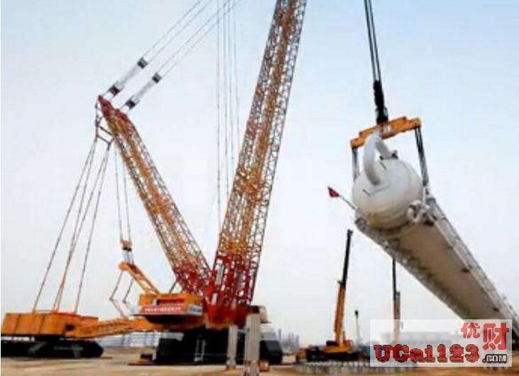 1926吨洗涤塔!中国企业研?#39057;?#20840;球最大履带式起重机在海外首吊成功