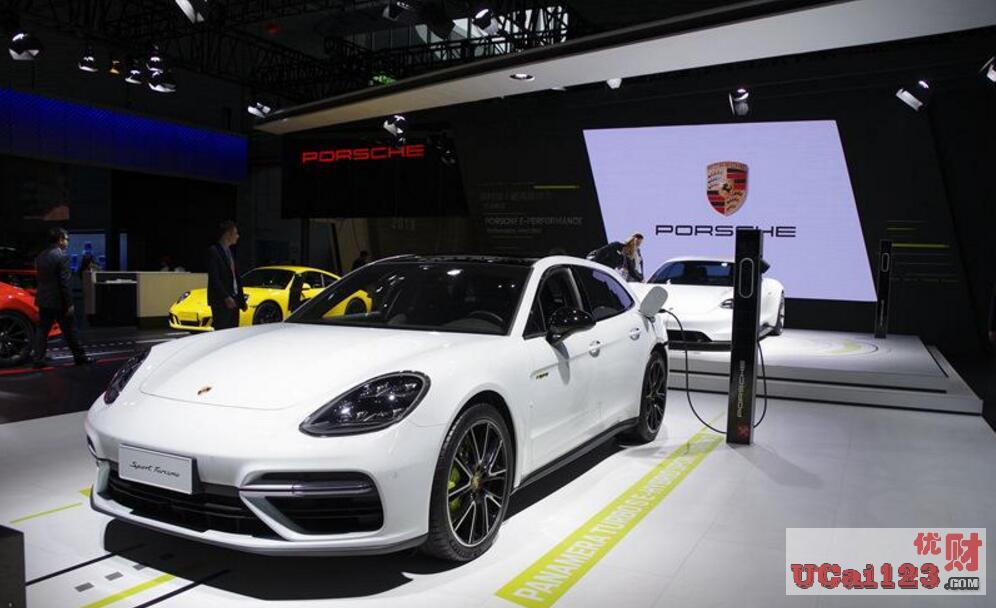 中国在汽车销量大幅下滑的背景下,新能源汽车是否会成功逆袭呢?