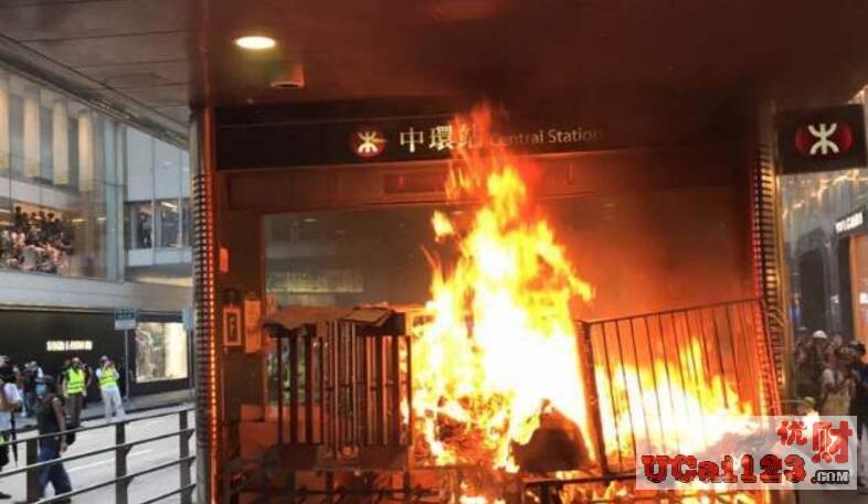 失业率3.1%、就业不足率1.2%,从团体抗议到街头暴力,中国香港经济持续恶化