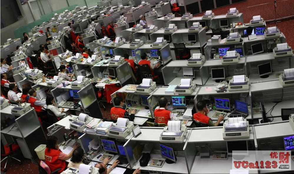 經營業績分紅會否壓垮匯豐與渣打?受新冠疫情全球擴散影響,港股近期深度調整